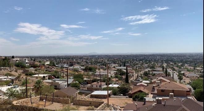 Vista de El Paso, nos EUA, com Ciudad Juarez, no México, ao fundo