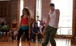 'Ela Dança, Eu Danço'O primeiro longa da franquia apresenta Tyler, um jovem problemático que deve trabalhar em uma escola de arte como punição. Lá, ele chama a atenção de uma talentosa aluna que precisa de uma dupla para a apresentação final do semestre. Os dois misturam o balé clássico e o hip hop em uma coreografia bonita e animada