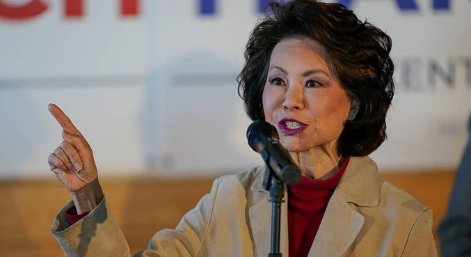 Elaine Chao é casada com o senador republicano Mitch McConnell