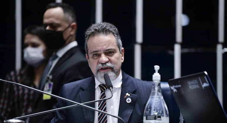 Coronel foi apontado por Pazuello como o responsável por compra de vacinas