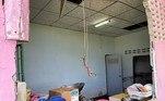 O casal calculou os prejuízos em cerca de R$ 7.850 (ou 50.000 Baht), só com o conserto da paredeNÃO VÁ EMBORA:Tubarão pula da água e morde perna de esportista em paraquedas