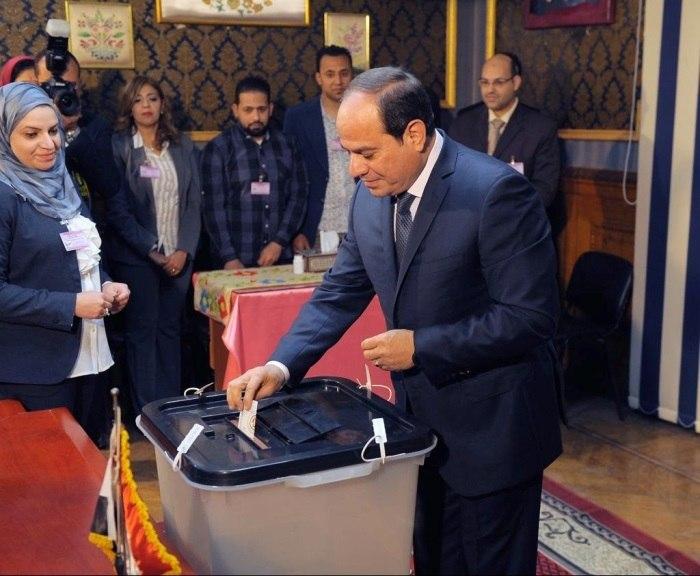 Eleições presidenciais no Egipto para reeleger Al-Sisi com a oposição silenciada