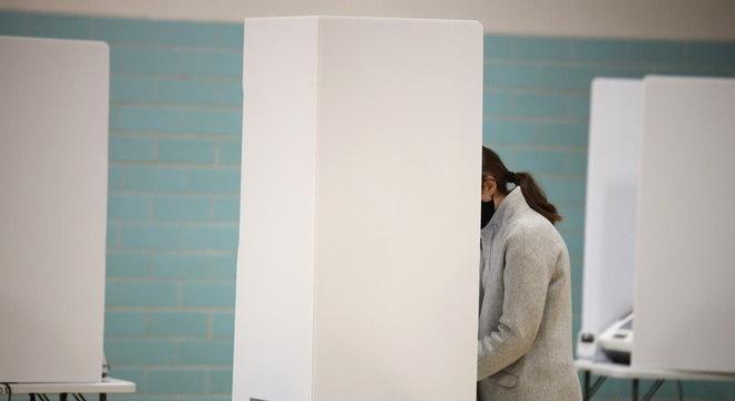 Além de votar para o presidente, americanos votam em projetos de lei