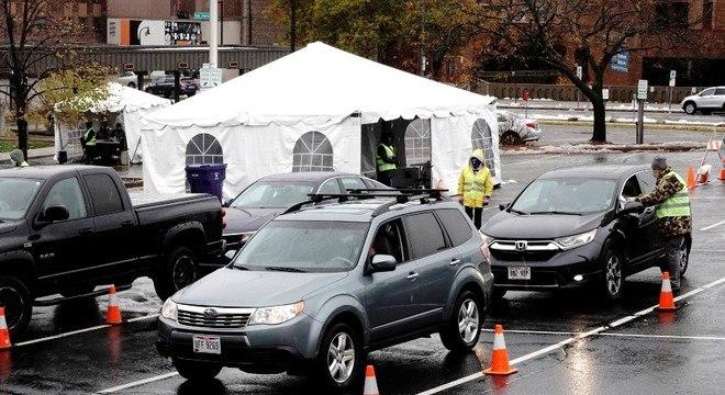 Eleitores de Wisconsin podem votar antecipado sem nem descer do carro