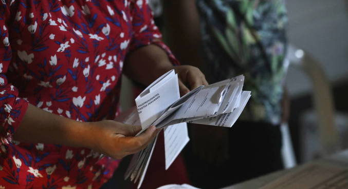 Menos de 20% dos votos foram contados até agora