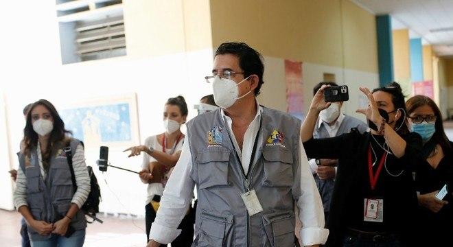 Oex-presidente de Honduras, Manuel Zelaya, foi um dos observadores internacionais
