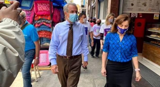 Matarazzo visitou a rua 25 de Março ao lado da vice em sua chapa, Marta Rocha