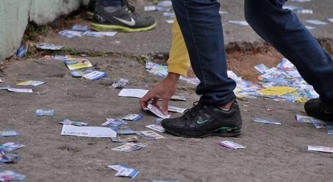 TSE define regras para campanhs partidárias, como a distruição de folhetos