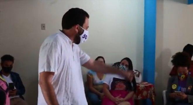 Guilherme Boulos se encontrou com estudantes na zona leste de SP