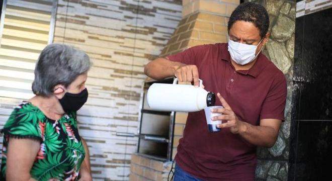 Orlando Silva tomou café com moradores da zona leste de SP