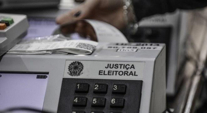 Urnas utilizadas em votações na capital são checadas e atualizadas pelo TRE-SP