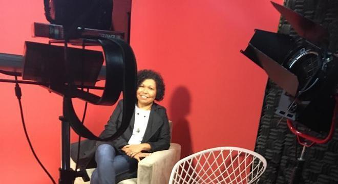 Vera Lúcia gravou vídeos para a campanha eleitoral nesta sexta-feira (16)