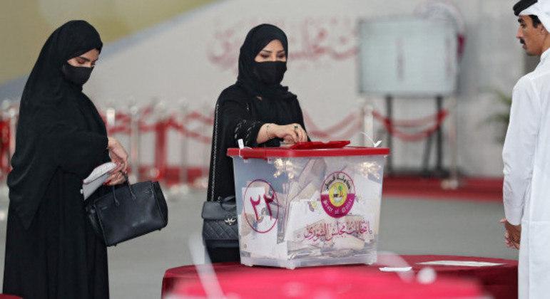 Em votação inédita, eleitores do Catar vão às urnas definir integrantes do legislativo