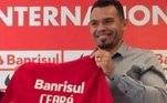 Ex-jogador do Cruzeiro, Internacional e PSG, Ceará se tornou suplente de vereador em Nova Lima. Ele obteve 340 votos em sua candidatura pelo Avante na cidade mineira