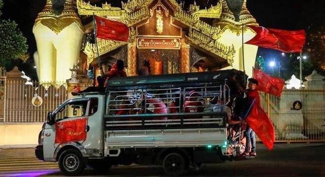 Liga Nacional pela Democracia conseguiu a maioria no Parlamento de Mianmar