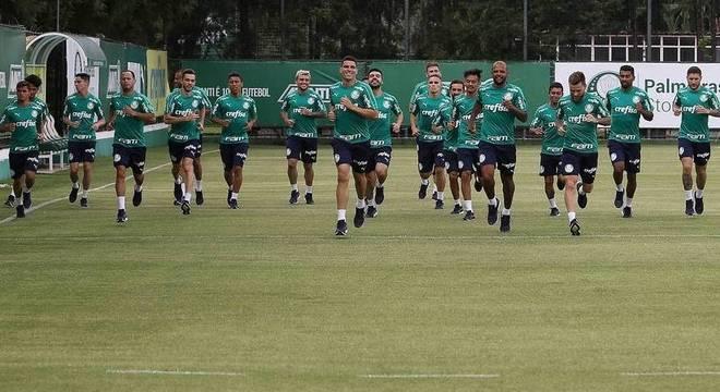 Elenco do Palmeiras tem pelo menos dois bons jogadores para cada posição