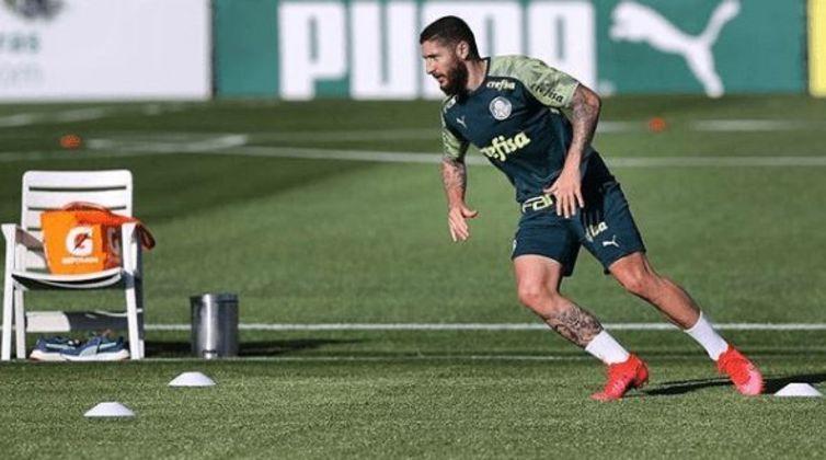 Zé Rafael voltou para as redes sociais no dia 27 de junho, portanto, são poucas as fotos postadas, somente de treinos