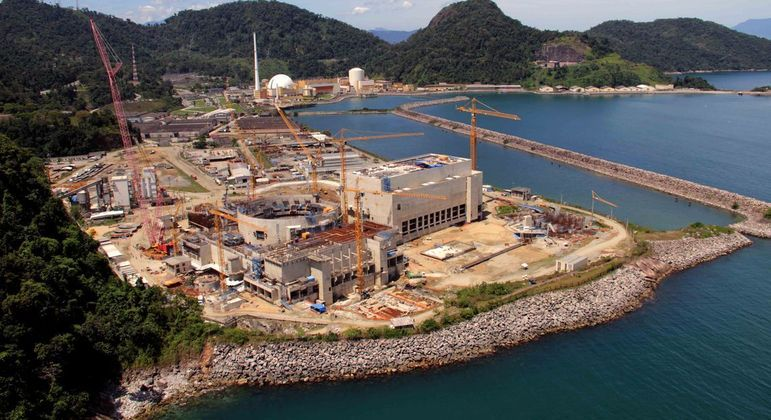 Construção da usina está paralisada desde 2015