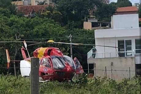Vítima foi resgatada pelo helicóptero dos bombeiros