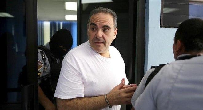Ex-presidente de El Salvador foi condenado a 10 anos de cadeia por corrupção