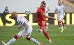 Pela manhã, o País de Gales de Gareth Bale venceu a Bielorrússia por 3 a 2 em jogo eletrizante. Bale fez um hat-trick e garantiu o placar favorável para sua seleção. Lisakovich e Sedko diminuíram