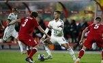 Já a Bélgica venceu com certa dificuldade a seleção de Belarus. O gol solitário da partida foi marcado por Praet, ainda no primeiro tempo
