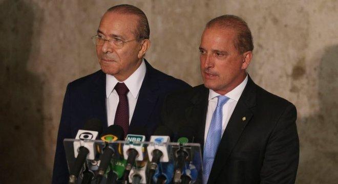 Eliseu Padilha (esq.) e Onyx Lorenzoni (dir.) coordenarão o processo de transição