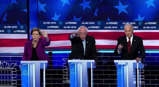 Biden distanciou-se de propostas de Warren e Sanders