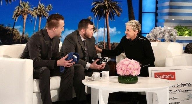 Stephen Schuck e Jesus Campos são entrevistados por Ellen DeGeneres