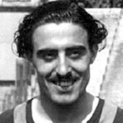 Elmo Bovio - O atacante argentino jogou no São Paulo em 1950. Foram 28 jogos disputados e 22 gols marcados.