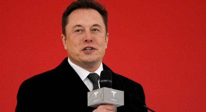 Elon Musk revela data de evento de apresentação da 1ª camionete elétrica da Tesla