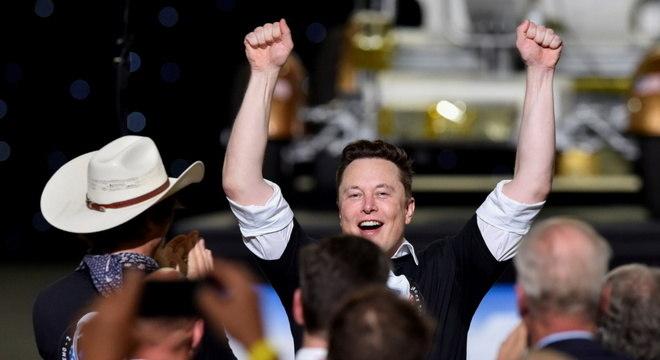Elon Musk ganhou US$ 6 bilhões em um dia com alta nas ações da Tesla