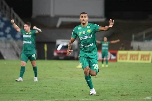Elton - atacante - 35 anos - atualmente defendo o Cuiabá na disputa da Série A do Brasileirão.