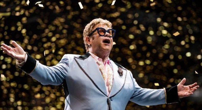 Elton John tem 50 anos de carreira