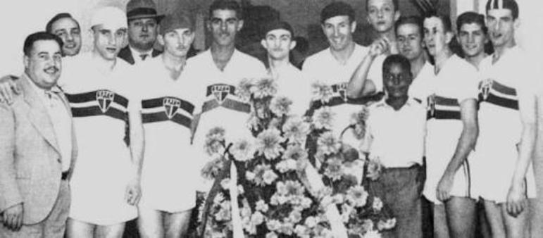 Elyseo: 13 gols em 1938 - O São Paulo foi o vice-campeão do Paulistão de 1938, mas o artilheiro foi Elyseo Siqueira do São Paulo, com 13 gols.
