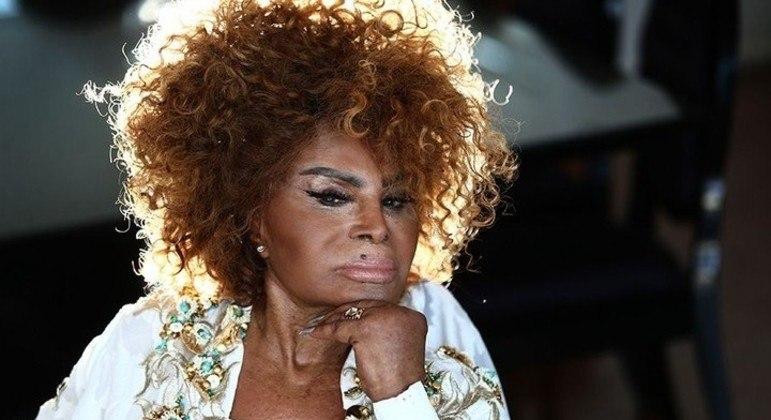Cantora é um dos maiores nomes da música brasileira, com mais de 84 discos na carreira