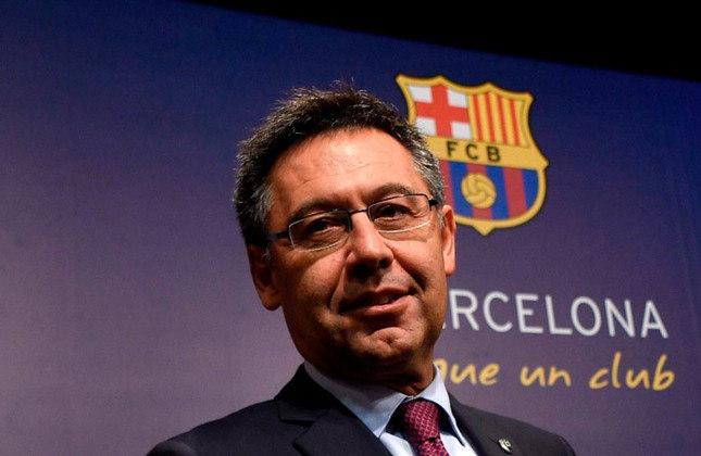 Em 1º de março de 2021, o ex-presidente do Barcelona, Josep Maria Bartomeu, foi preso, fruto do resultado das investigações do Barçagate. Antes, em outubro de 2020, ele havia renunciado ao cargo de presidente do clube. Isso foi feito após reunião de urgência da diretoria, na qual o ex-comandante do clube catalão e os demais conselheiros decidiram renunciar aos seu cargos. O principal motivo para a renúncia foi que a votação de moção de censura seria realizada. Assim, Bartomeu e os demais dirigentes acharam melhor renunciar ao cargo do que serem retirados