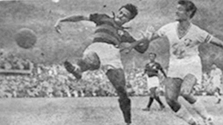 Em 1941, o Fluminense conquistou seu 14º título sobre o Flamengo, no que foi um dos clássicos mais lendários da história, chamado de Fla-Flu da Lagoa. O Tricolor tinha a vantagem do empate na Gávea naquele 23 de novembro de 1941 e chegou a abrir 2 a 0, mas sofreu o empate. Nos dramáticos minutos finais, o goleiro Batatais brilhou mesmo com a clavícula deslocada e, com um expulso, os defensores começaram a isolar a bola na Lagoa Rodrigo de Freitas para retardar o jogo. Foram três vezes, que ajudaram a passar o tempo e garantir o bicampeonato