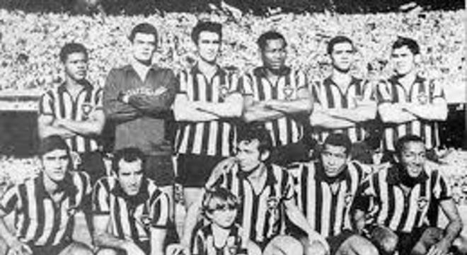Em 1967, Botafogo, Barcelona e Peñarol disputaram o Torneio Triangular de Caracas. No primeiro jogo, o Glorioso empatou sem gols com o Peñarol e ganhou do Barcelona por 3 a 2, assegurando o título. O clube foi à FIFA reconhecer a conquista como título mundial, mas a entidade não validou o pedido.