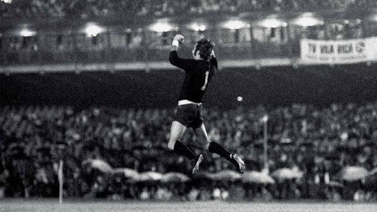 Em 1971, o Flu acabou eliminado ainda na primeira fase, ficando em segundo lugar do Grupo 3, atrás do Palmeiras. Deportivo Italia e Deportivo Galicia, ambos da Colômbia, completavam a chave.