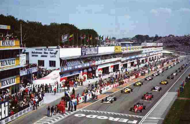 Em 1983, o momento curioso foi a torcida italiana comemorando o abandono do então líder Riccardo Patrese apenas para ver uma Ferrari levando a prova. O francês Patrick Tambay triunfou