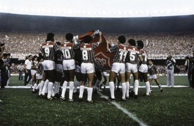 Em 1985, avaga veio depois do título do Campeonato Brasileiro de 1984, quando o Fluminense venceu o Vasco na final por um placar agregado de 1 a 0.