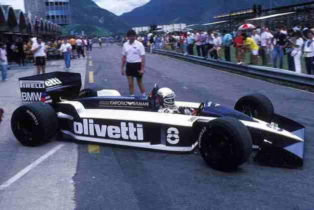Em 1988, Ecclestone vendeu a Brabham para o empresário suíço Joachim Luthi por mais de 5 milhões de dólares, passando a cuidar exclusivamente dos interesses da F1. Mas o time não participou daquele ano, então a foto é do carro de 1987