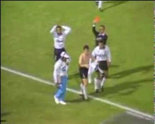 Em 1992, Neto marcou um golaço de bicicleta no duelo entre Corinthians e Guarani. O ex-jogador admitiu que foi um dos gols mais bonitos de sua carreira. Na comemoração, tirou a camisa e acabou expulso pelo árbitro Ilton José da Costa.