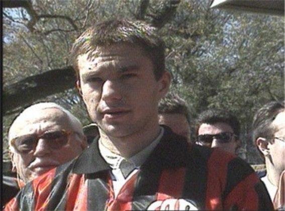Em 1996, o meia polonês Krzysztof Nowak foi contratado pelo Athletico. Jogou bem e foi campeão paranaense em 1998.