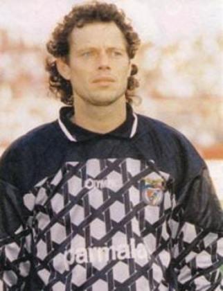 Em 1999, MICHEL PREUD'HOMME foi anunciado como reforço pelo Fluminense. No entanto, a novidade durou pouco: o goleiro belga, que tinha viajado para o Rio de Janeiro à revelia do Benfica, foi chamado para retornar.