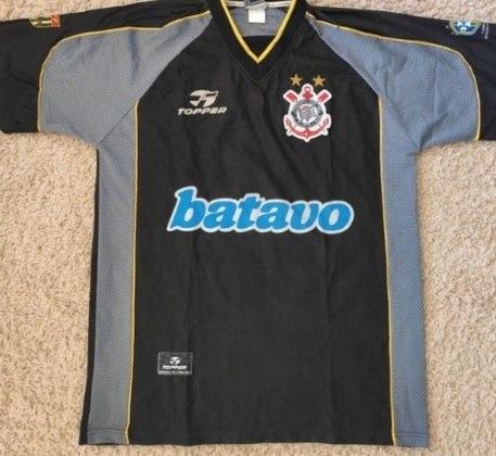 Em 1999, o Corinthians também lançou uma camisa com cores cinza e preta.