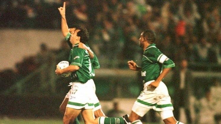 Em 1999, também pela Copa do Brasil, o Flamengo venceu o jogo de ida contra o Palmeiras por 2 a 1. No Palestra Itália, a partida estava empatado por 2 a 2, quando a equipe paulista virou para 4 a 2 e garantiu uma vaga na semifinal da competição.