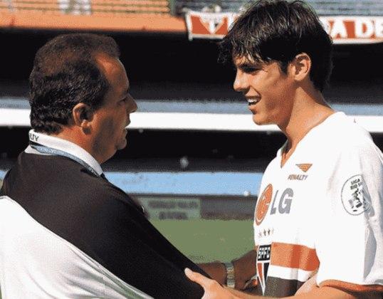 Em 2000, Vadão foi para o Corinthians, mas teve apenas um curto tempo de trabalho, com 21 jogos, saindo no meio da temporada. Depois, foi para o rival São Paulo e, lá, ajudou na carreira de jovens craques, como Kaká, e venceu o Torneio Rio-São Paulo de 2001.
