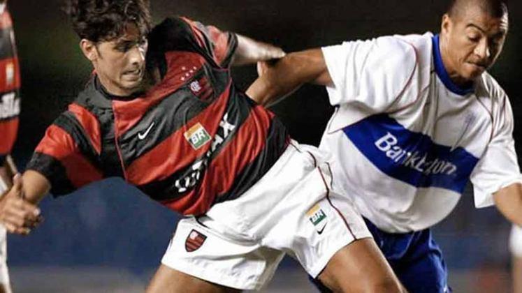 Em 2002, o desempenho rubro-negro na Copa Libertadores foi um grande vexame. No mesmo grupo que Once Caldas, Olímpia e Universidad Católica, o Flamengo terminou na última colocação com apenas quatro pontos.  O único triunfo foi a goleada de 4 a1 sobre o Once Caldas, no Maracanã, na terceira rodada,
